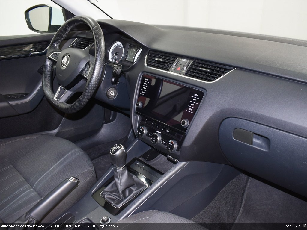 AUDI Q3 Design edition 2.0 TDI 150CV QUATTRO S TRON (AUTOMÁTICO 4X4) - Foto 4