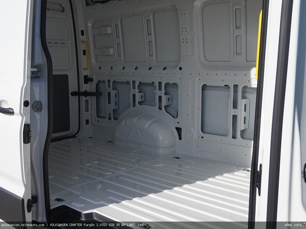 Volkswagen Crafter Furgón 2.0TDI SCR 35 BM L3H2  140CV Diesel seminuevo de segunda mano 9